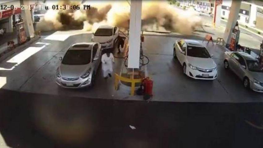لقطات مروعة.. لحظة انفجار خزانات وقود في محطة سعودية