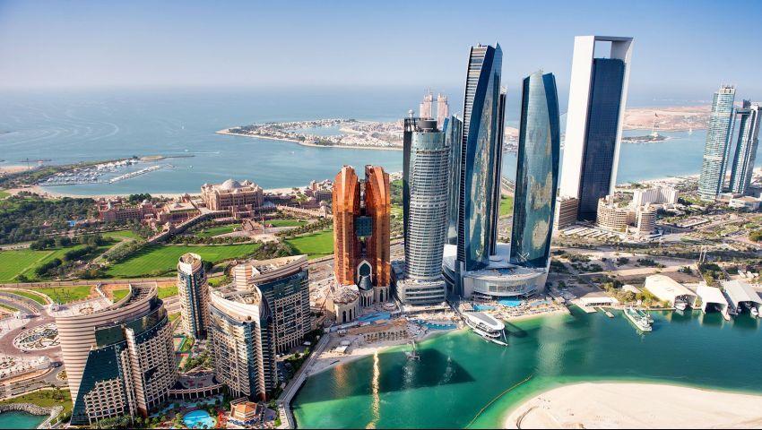 فيديو| ليست فقط لمحمد رمضان.. 10 فئات تمنحهم الإمارات الإقامة الذهبية