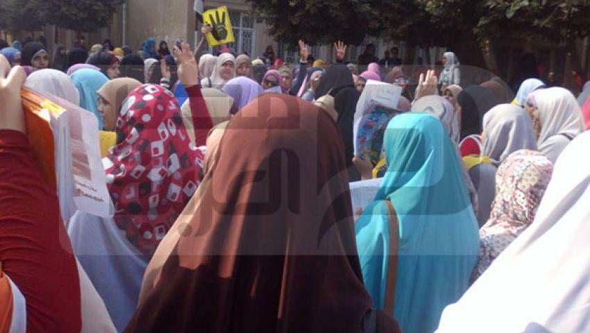 طالبات الأزهر بالدقهلية يتهمن العميدة بتأجير بلطجية