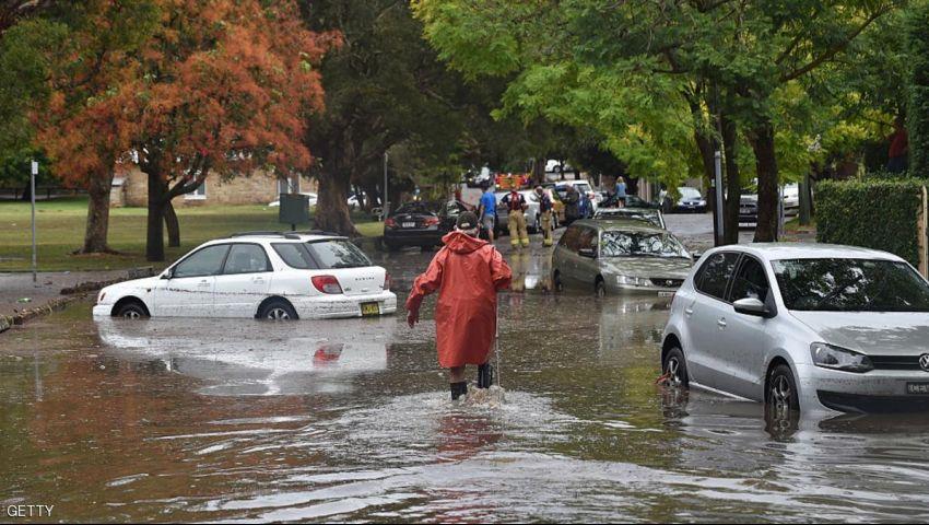 إعصار ديبي المدمر يتجه صوب أستراليا