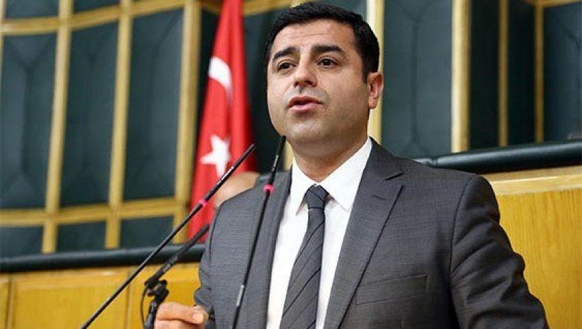 دميرطاش يدعو الحكومة التركية وبي كا كا لوقف إطلاق النار