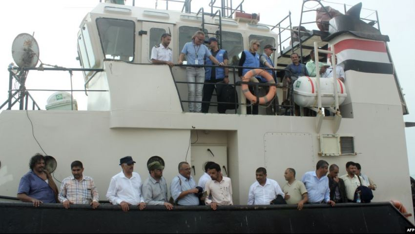 بالصور| «اجتماع السفينة».. هل ينجح لقاء عرض البحر في حل أزمة الحديدة؟
