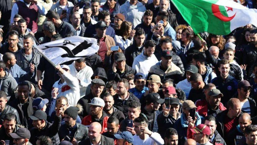 من داخل الجامعات.. الاحتجاجات تنطلق مجددًا ضد بوتفليقة