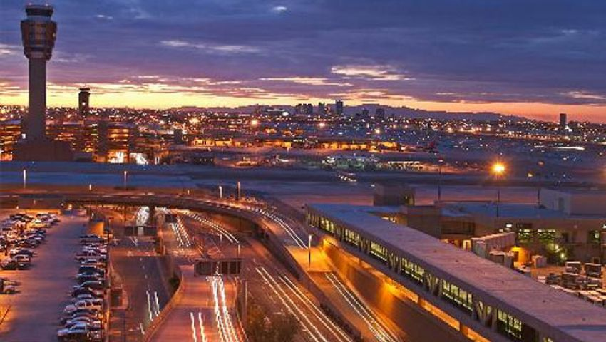 أكثر من 8 آلاف شخص يعلقون في مطار فينكس