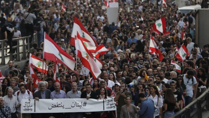 هآرتس: احتجاجات لبنان والعراق تزعزع ثقة إيران بنفسها