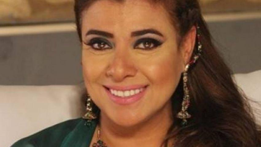 بالفيديو| «الفلوس خلصت»..   نشوى  مصطفى كواليس أغنية  زفاف ابنها