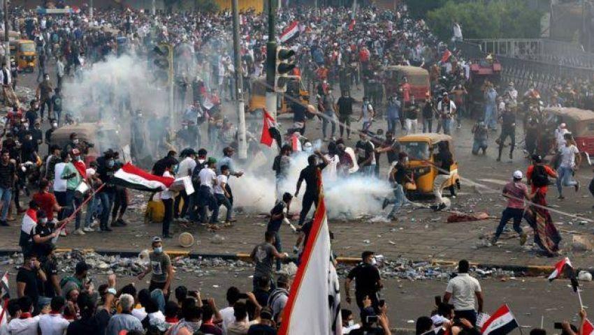 فيديو.. قنابل «غير معروفة» تقتل المحتجين العراقيين