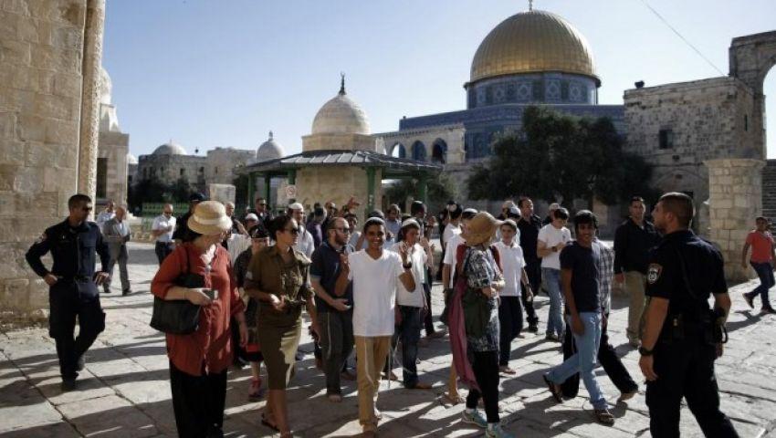 جريمة جديدة للصهاينة.. مستوطنون يقتحمون الأقصى من باب المغاربة