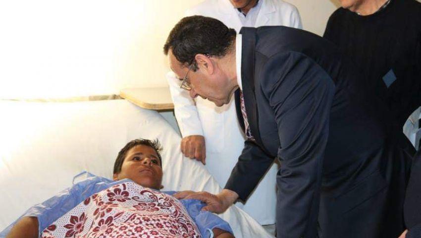 صور| محافظ شمال سيناء يزور مصابي تفجير الشيخ زويد