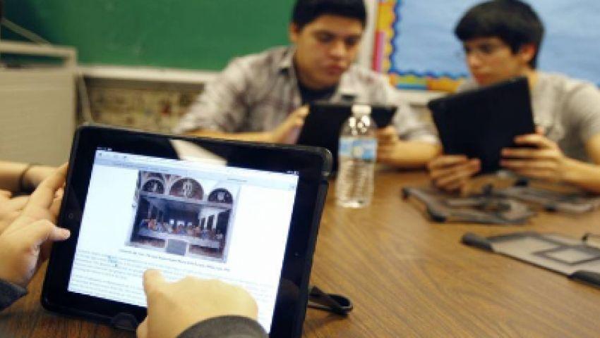 فيديو| لطلاب الصف الأول الثانوي.. تعرف على خطوات أداء الامتحانات الإلكترونية