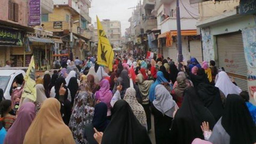 بالصور.. مسيرة  لمعارضين بحوش عيسى دعما لإضراب معتقلي سجن دمنهور