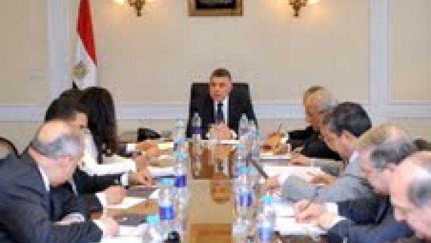 وزير الاستثمار يعقد غرفة عمليات مشتركة مع القطاع العام