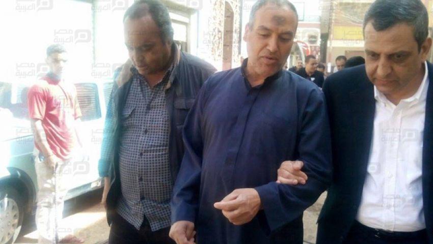 وفد الصحفيين يصل منزل ميادة أشرف وقلاش يهدى أسرتها درع النقابة