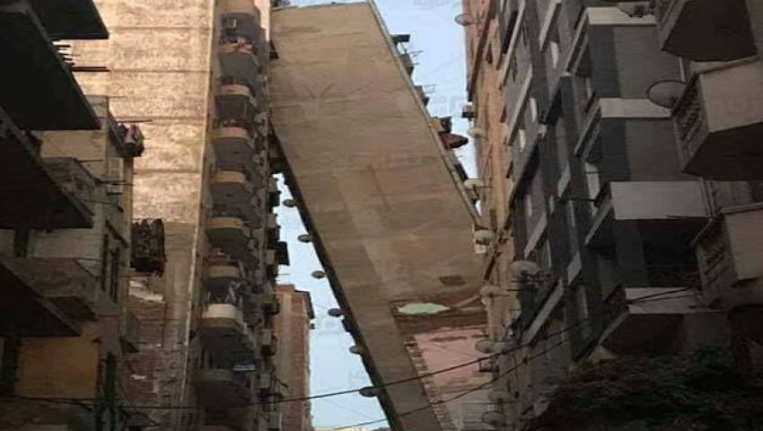 العقارات المائلة.. أزمة تكشف فساد المحليات بالإسكندرية