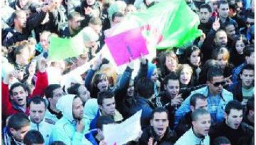 إخوان الجزائر ينظمون وقفة لدعم الشرعية في مصر