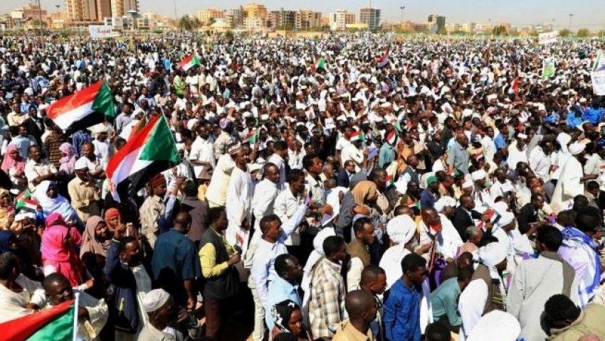 لتجاهل مطالبهم.. قيادة الثورة السودانية تهدد بعصيان مدني وإضراب شامل رداً على «المجلس العسكري»