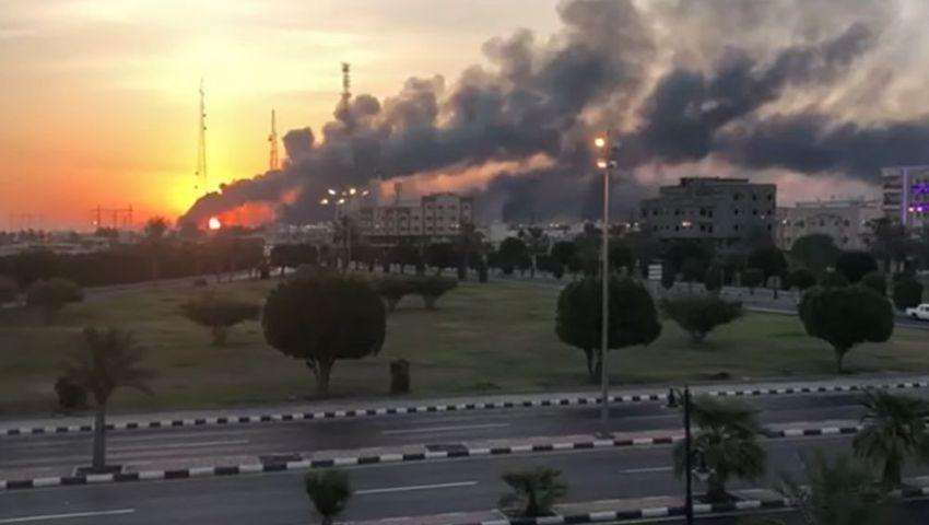 بلومبرج: بعد هجوم بقيق.. السعودية تخفض إنتاجها من النفط إلى النصف