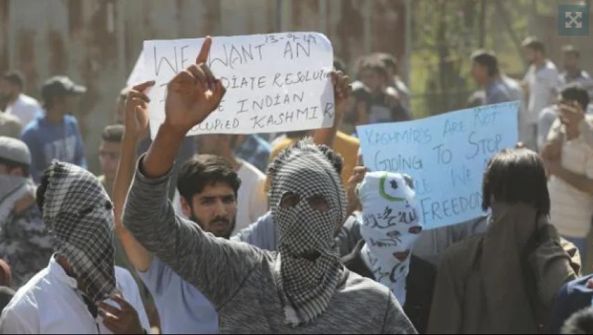 الأستراليان: رغم الحصار الهندي.. 6 احتجاجات يوميا في كشمير