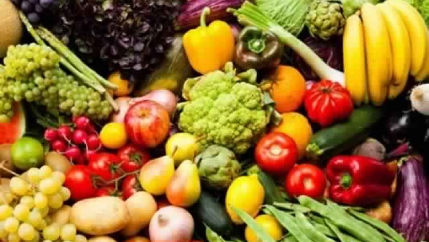 فيديو| استقرار أسعار الخضار والفاكهة اليوم الإثنين.. الطماطم بـ6 جنيهات