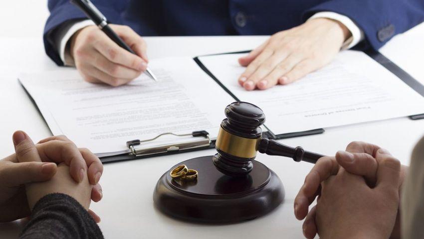 انقسام حول «التأمين الإجباري».. نائب: سيقلل الطلاق.. وقانوني: مخالف للشريعة