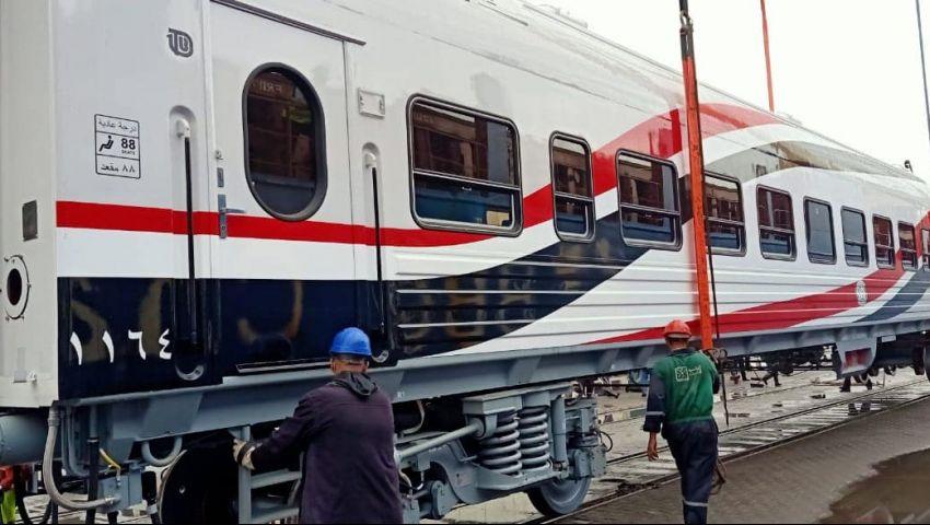 إلى أين وصلت صفقة توريد 1300 عربة قطار جديدة للركاب؟