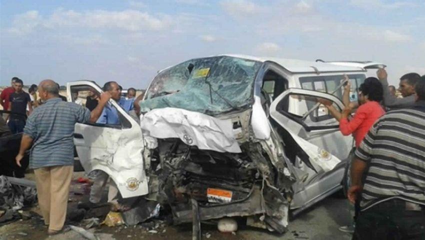بالأسماء.. مصرع وإصابة 14 شخصاً فى انقلاب سيارة ميكروباص بالإسماعيلية