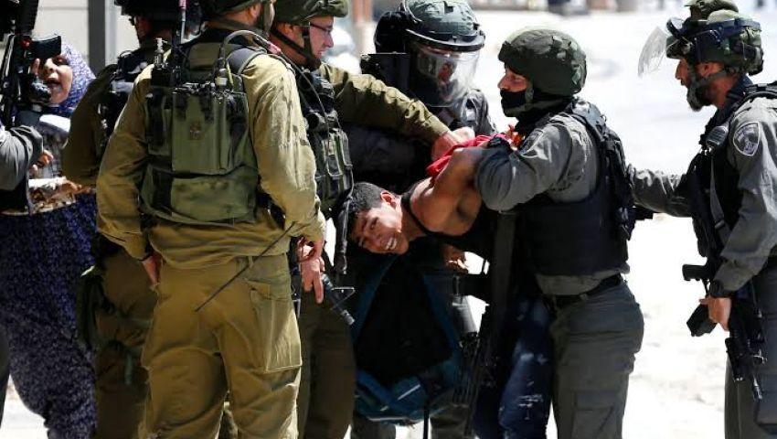 بالاعتقالات الجماعية.. الاحتلال يواصل تصفية الضفة