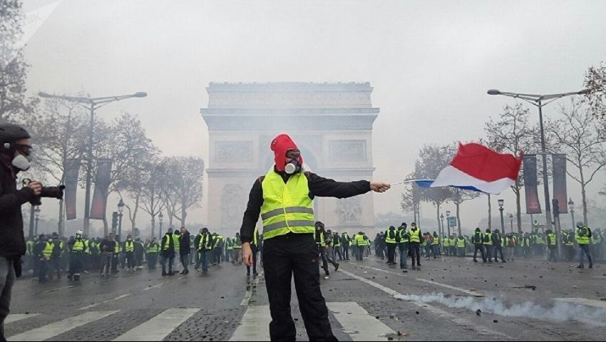 السبت الفرنسي الـ21.. السترات في وادي الغضب والحكومة في معترك الحوار