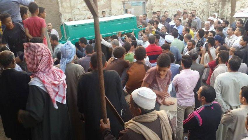 بالصور.. تشييع جثمان عمر شريف بالمنوفية
