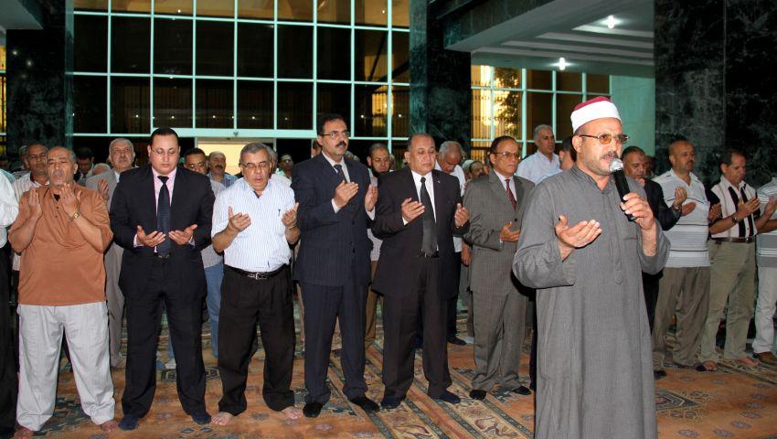 رئيس جامعة طنطا يصلي الغائب على ضحايا تفجيرات سيناء