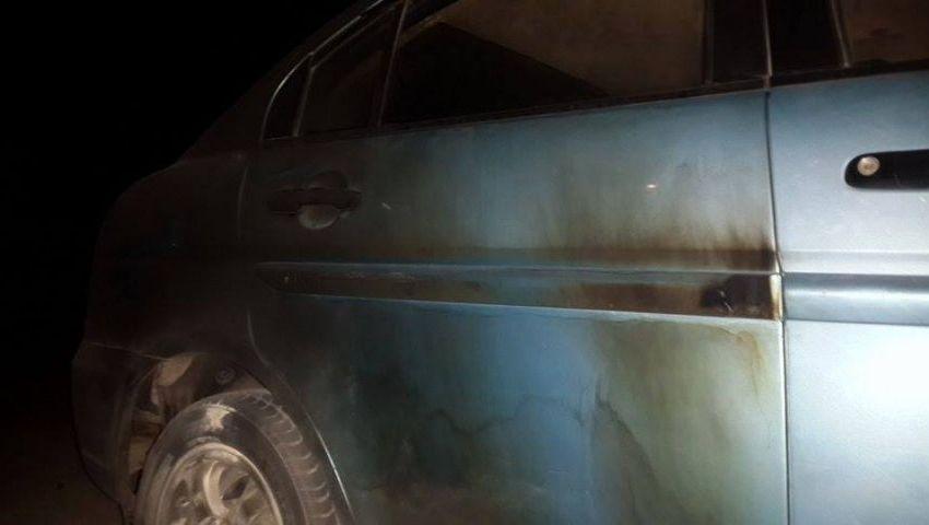 بالصور.. إشعال النيران في سيارة قيادي بـحماس شمال الضفة