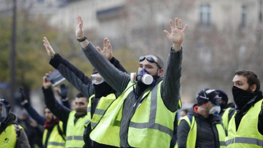 الشرطة الفرنسية تنشر 7 آلاف جندي لمواجهة السترات الصفراء