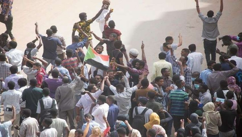 مع توحد المعارضة السودانية ضد البشير.. هل اقترب تحقيق الحلم؟