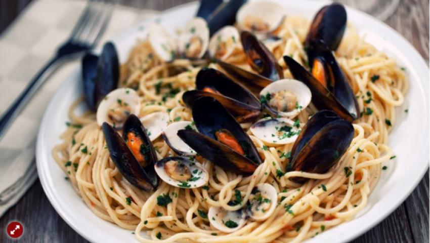 مجلة ألمانية: وجبة «إسباجتي» في روما تثير أزمة مع سائحين يابانيين