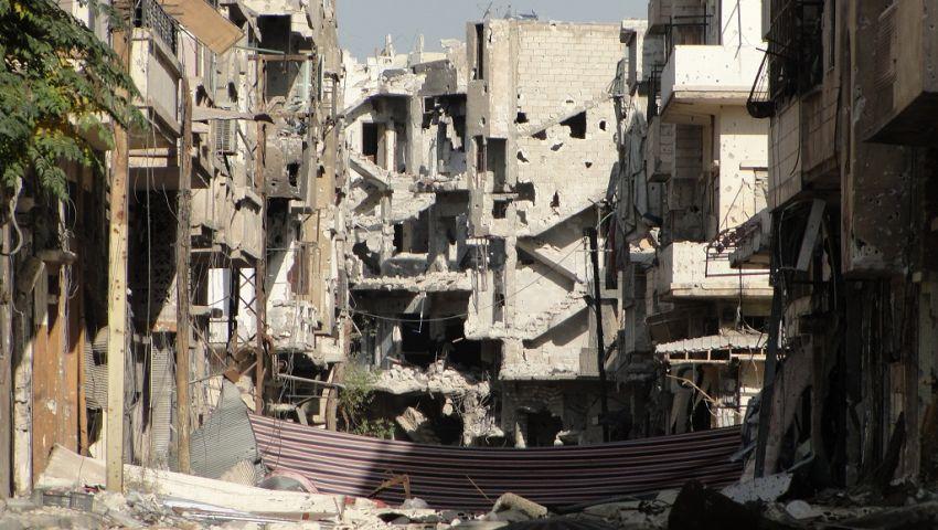 عضو بالائتلاف السوري: 35 شهيدًا من أسرتي في إدلب