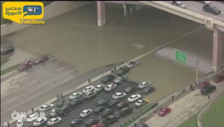 فيديو.. شوارع تكساس تتحول إلى بحيرة