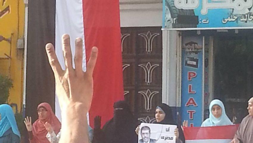 سلاسل بشرية ومسيرات لدعم الشرعية بمدن القناة
