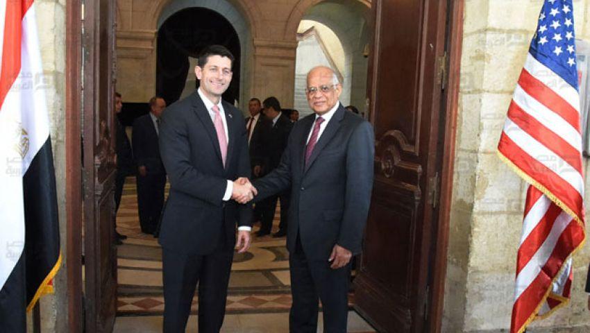 رئيس مجلس النواب الأمريكي يصل القاهرة