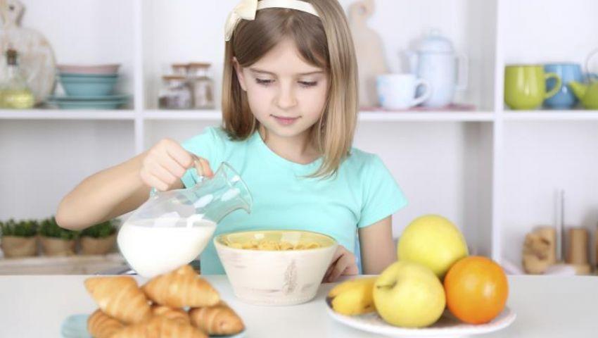 فيديو| لصحة أفضل.. تعرف على المواعيد المثالية لتناول الوجبات الغذائية