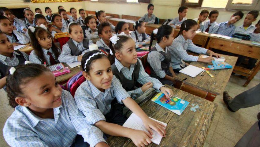 بعد فرض 50 جنيهاً.. هل تساهم الرسوم الجديدة في تطوير التعليم؟