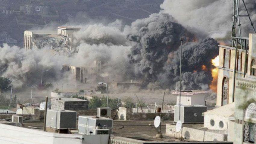 مقتل 11 شخص في تفجير انتحاري وهجوم بالأسلحة جنوب اليمن