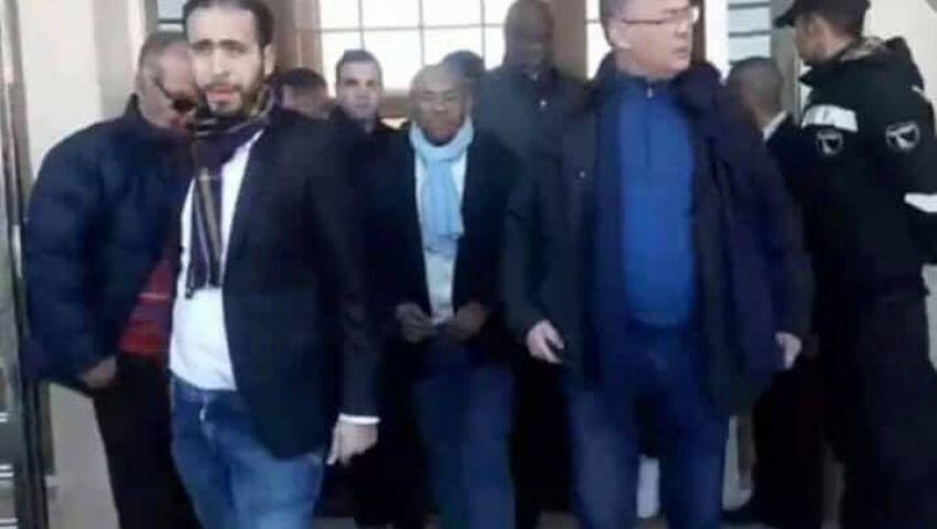 فيديو| في 6 نقاط.. لماذا قبضت شرطة فرنسا على رئيس «الكاف»