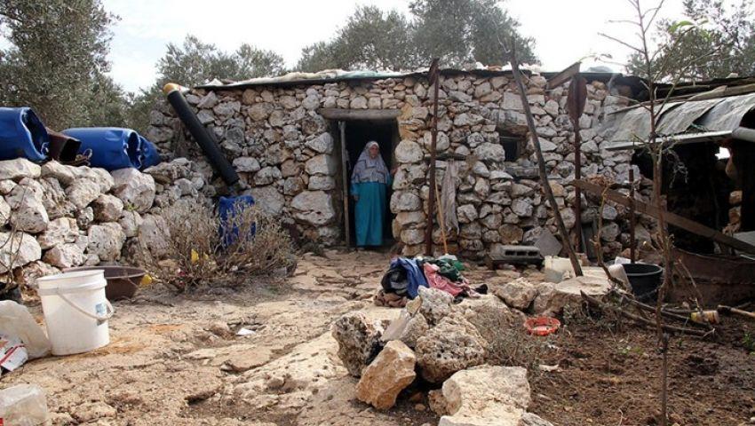 منزل غريب.. الفلسطيني وحيدا وسط مستوطنة إسرائيلية