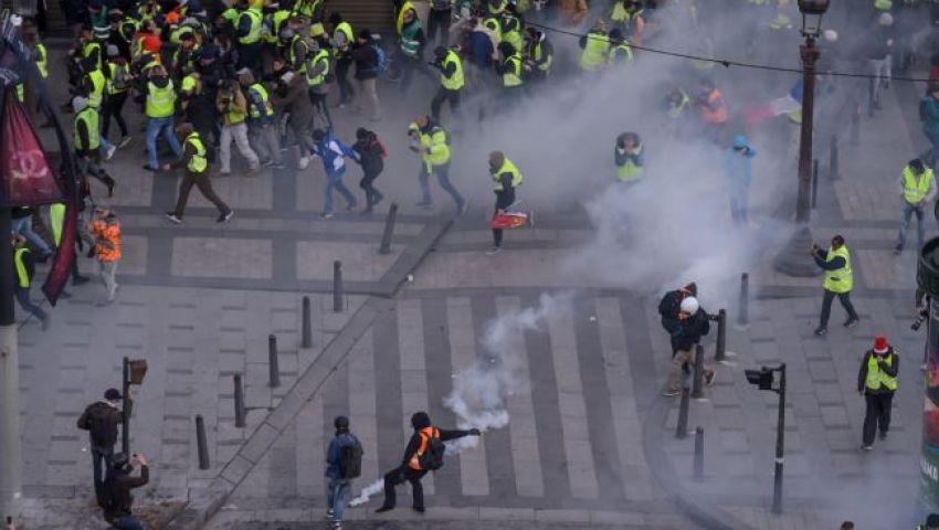 فيديو  اشتباكات بين الشرطة ومتظاهري «السترات الصفراء» في باريس