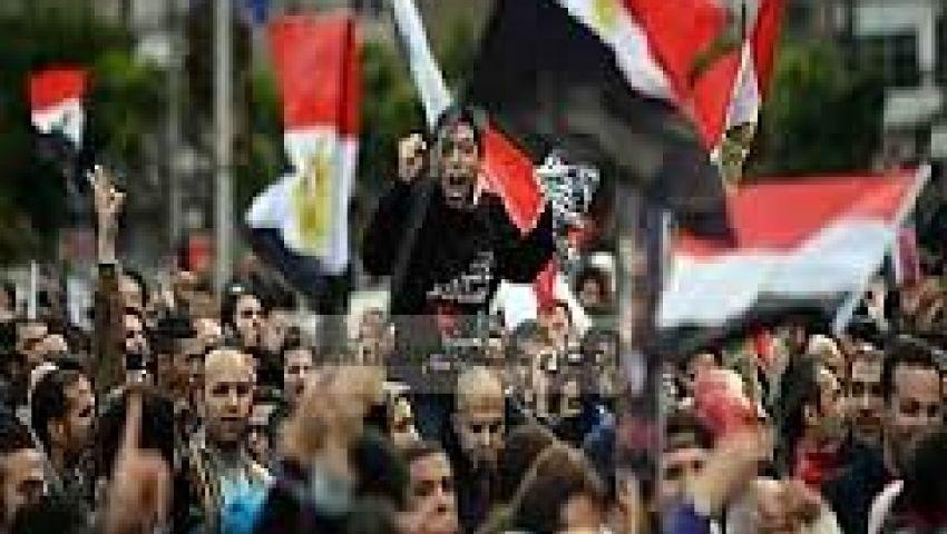 العصابة لافتة تهاجم الإعلاميين بمليونية الإسلاميين