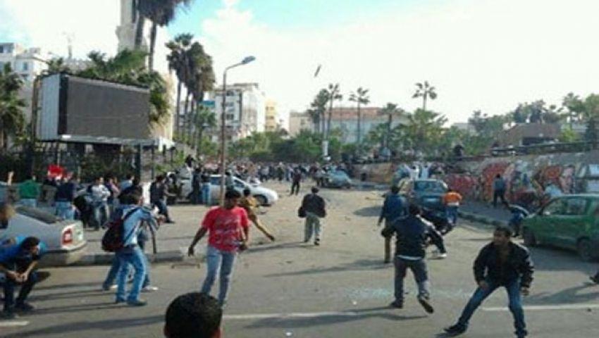 تجمهر أهالي قتيل اشتباكات الإسكندرية أمام المشرحة