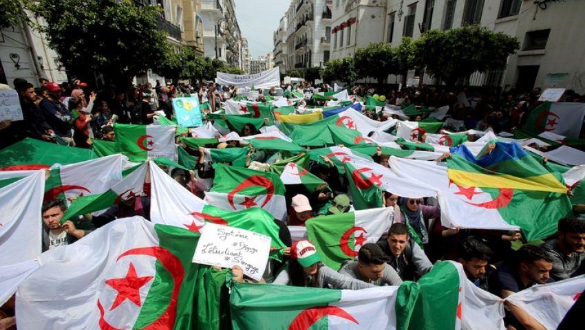 الجزائر.. الرئيس المؤقت يتجاوب مع مطلب رحيل الحكومة