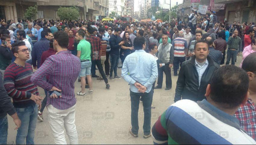 بالفيديو.. هتافات ضد وزير الداخلية بجنازة الأقباط والقنوات تقطع البث
