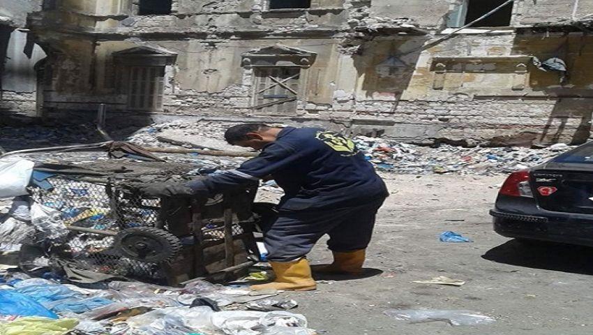 بالصور| الإهمال والقمامة يحاصران شارع فرنسا التاريخي بالإسكندرية