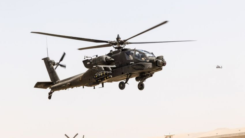 الخارجية الأمريكية توافق على بيع 10 طائرات أباتشي لمصر